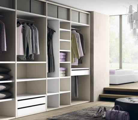 Armario vestidor abierto totalmente a medida